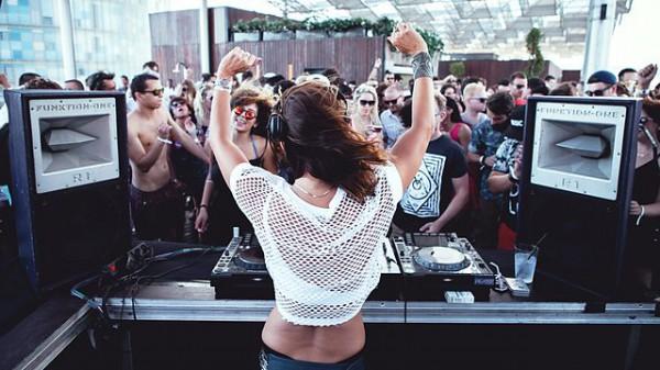 Anja Schneider – Dance Under The Blue Moon 2014-12-14